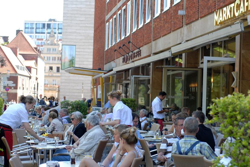 Kaffeegenuss mit Blick auf Dom und Wochenmarkt - Marktcafe - das Cafe in Münster